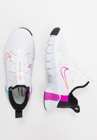 Nike Performance - FREE METCON 3 - Sports shoes - white/hyper violet/flash crimson - 1