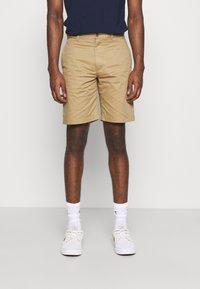 Wood Wood - JONATHAN LIGHT - Shorts - khaki - 0