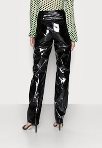 Missguided Tall - SHINY TROUSER - Broek - black