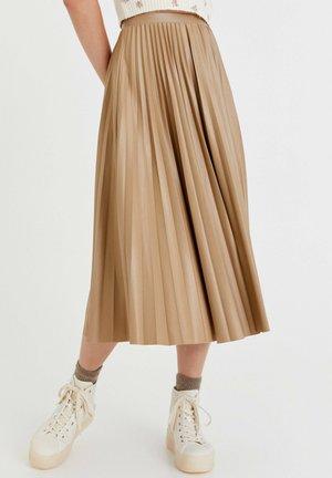PLISSIERTER VINYL - A-line skirt - white