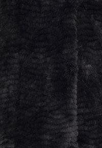 Dorothy Perkins Curve - Winter jacket - black - 2