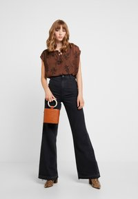Vero Moda - VMIRIS - Blouse - dark brown - 1