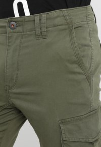 Jack & Jones - JJIPAUL JJFLAKE  - Cargobukse - olive night - 3