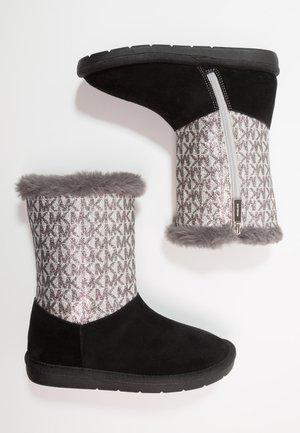 ZIA MARGOT LIN - Kotníkové boty - black/silver