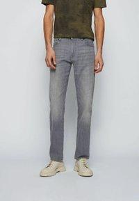 BOSS - Straight leg jeans - grey - 0