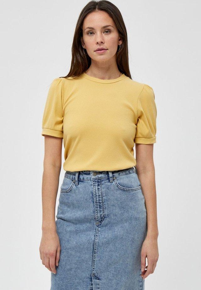 JOHANNA  - T-shirt basique - cornbutter