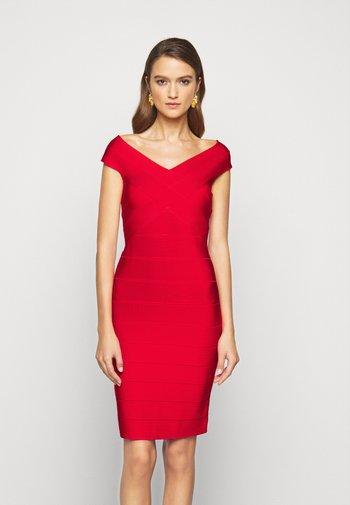 Pouzdrové šaty - siren