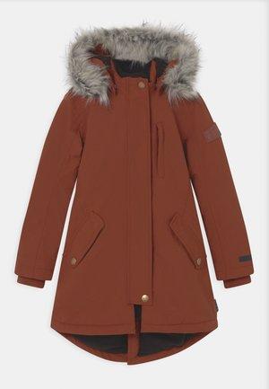 PEACE - Zimní kabát - rosewood
