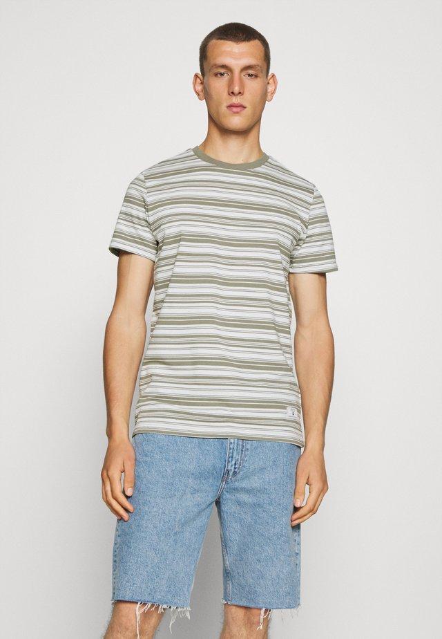 JPRBLAIAN STRIPE TEE CREW NECK - T-shirt imprimé - shadow