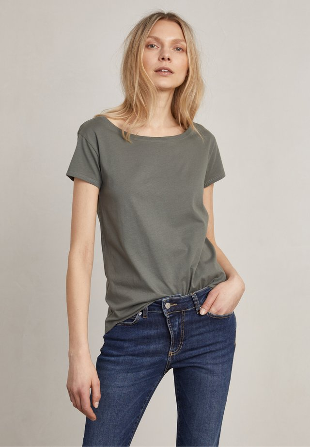NAT - T-shirt - bas - lullaby green