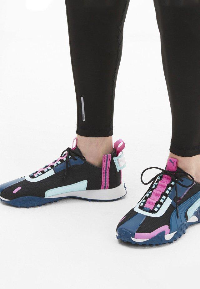 KVINNA - Sneaker low - black-aruba blue-pink