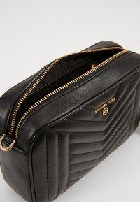 MICHAEL Michael Kors - JET SET CHARMMD BAG - Across body bag - black - 2