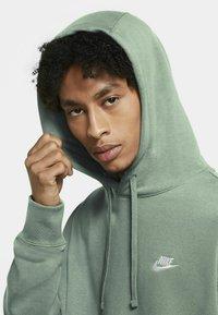 Nike Sportswear - CLUB HOODIE - Luvtröja - steam/steam/white - 3