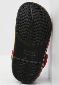 Crocs - FUN LAB DISNEY AND PIXAR CARS  - Pool slides - black - 4