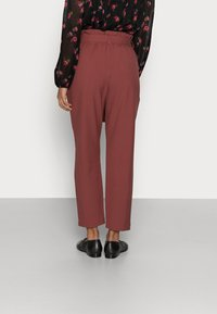 ONLY Petite - ONLHERO LIFE PANT  - Trousers - apple butter - 2