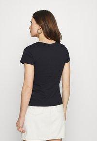 Calvin Klein Jeans - MICRO BRANDING OFF PLACED VNECK - Jednoduché triko - black - 2