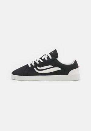 HELA UNISEX - Sneakersy niskie - black/offwhite