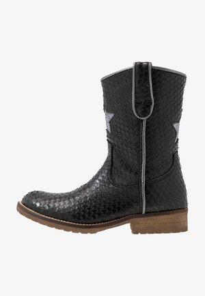 Kovbojské/motorkářské boty - black scale