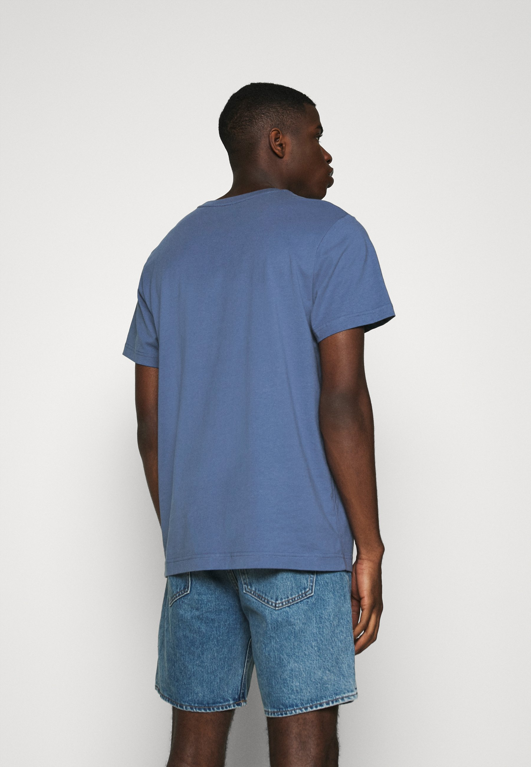 Weekday RELAXED  - Basic T-shirt - blue znuLF