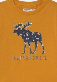 Abercrombie & Fitch - SHINE  - Maglietta a manica lunga - yellow - 2