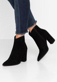 Adele Dezotti - High heeled ankle boots - nero - 0