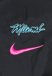 Nike Performance - NBA MIAMI HEAT CITY EDITION TRACKSUIT - Club wear - black/blue gale/laser fuchsia - 7
