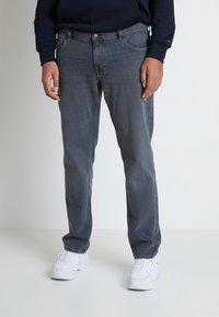 Tommy Hilfiger - B&T MADISON STR AMES  - Straight leg jeans - grey denim - 0