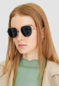 Stradivarius - Sunglasses - green - 0