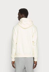 Nike Sportswear - CLUB HOODIE - Felpa - coconut milk - 2