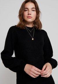 Object - OBJEVE NONSIA - Pletené šaty - black - 4