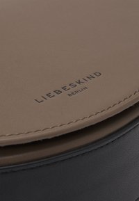 Liebeskind Berlin - Across body bag - deep taupe - 5