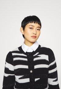Liu Jo Jeans - MAGLIA CHIUSA  - Cardigan - black/white - 4