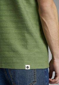 Anerkjendt - T-shirt print - vineyard green - 3