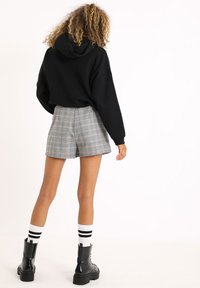 Pimkie - KARIERTER - Shorts - beige - 3