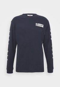 Tommy Jeans - LONGSLEEVE SCRIPT BOX TEE - Maglietta a manica lunga - twilight navy - 3