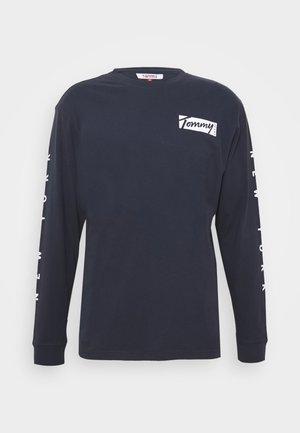 LONGSLEEVE SCRIPT BOX TEE - Langærmede T-shirts - twilight navy