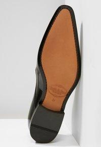 Brett & Sons - Elegantní šněrovací boty - noir - 4
