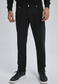 Auden Cavill - Trousers - schwarz - 0