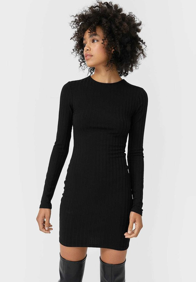 KURZES MIT SCHLITZ - Denní šaty - black