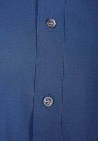 OLYMP Level Five - OLYMP LEVEL 5 BODY FIT - Formal shirt - rauchblau - 2
