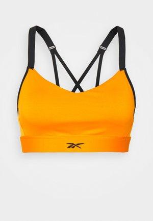 LUX STRAPPY BRA - Light support sports bra - semi solar gold