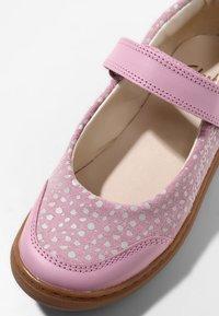 Clarks - FLASH STRIDE  - Ankle strap ballet pumps - dusky pink - 5
