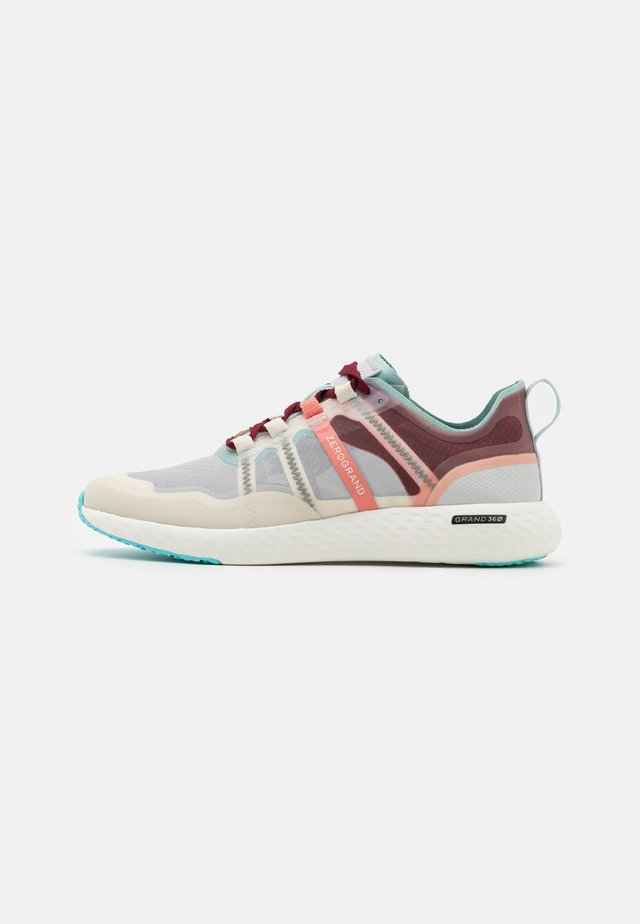 ZEROGRAND OUTPACE RUNNER - Joggesko - birch/burnt coral/glacier gray/optic white