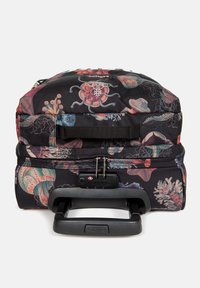 Eastpak - TRANVERZ  - Wheeled suitcase - save our oceans - 3