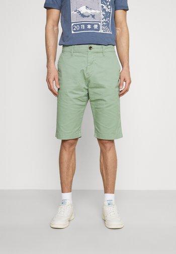 BERMUDA - Shorts - light summer olive