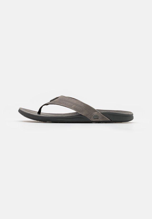 J-BAY III - Flip Flops - cement