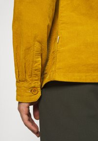 Lindbergh - Summer jacket - dark yellow - 4