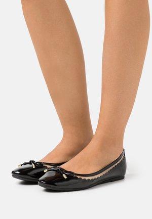 PIPPA SCALLOP  - Ballet pumps - black