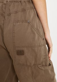 BDG Urban Outfitters - BAGGY PANT - Trousers - chocolate - 5