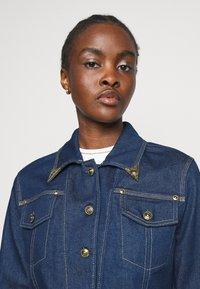 Versace Jeans Couture - LADY JACKET - Kurtka jeansowa - indigo - 3